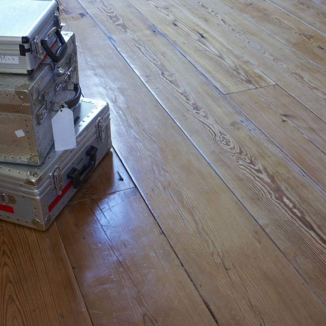 Reclaimed Engineered Wide Planks. Huge stockholding of all sorts of floorboards, all kiln-dried and fully engineered ready to install over concrete or under-floor heating